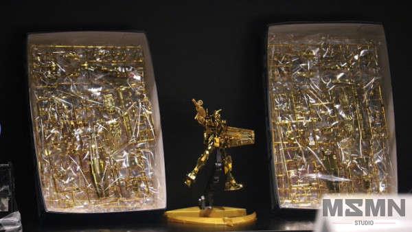 hg-1_144-the-gundam-base-limited-prize-rx-78-2-gundam-gold-coating