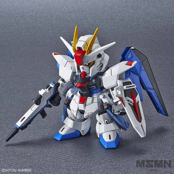 sd_sil_freedom_gundam_01