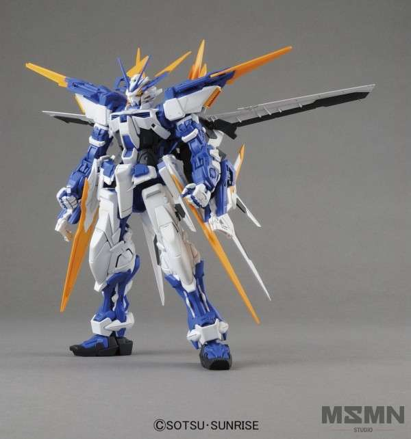 mg_astray_blue_frame_d_01