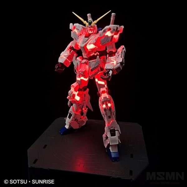 rg-1144-unicorn-gundam-destroy-mode-lighting-model-vertwc_03